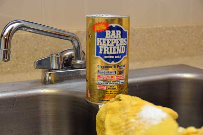 Bar Keepers Friend on Sink | Foodal.com
