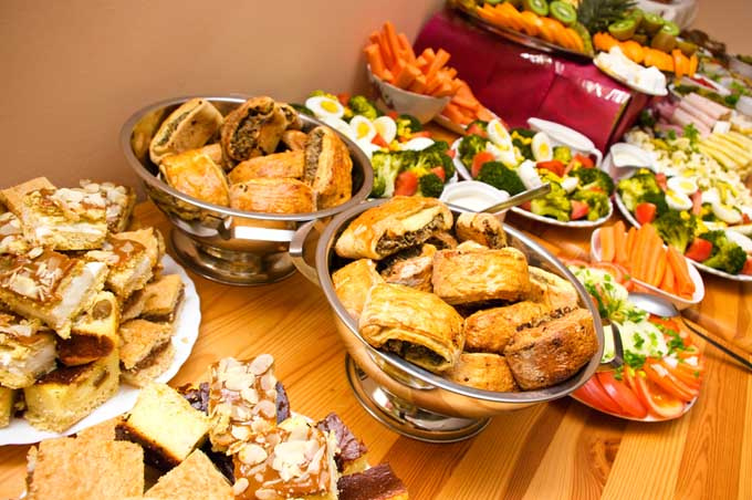 Buffet for Game Day | Foodal.com