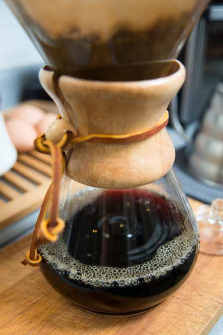 Chemex Coffee Maker in the process of brewing | Foodal.com