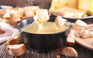 How to Make Cheese Fondue | Foodal.com