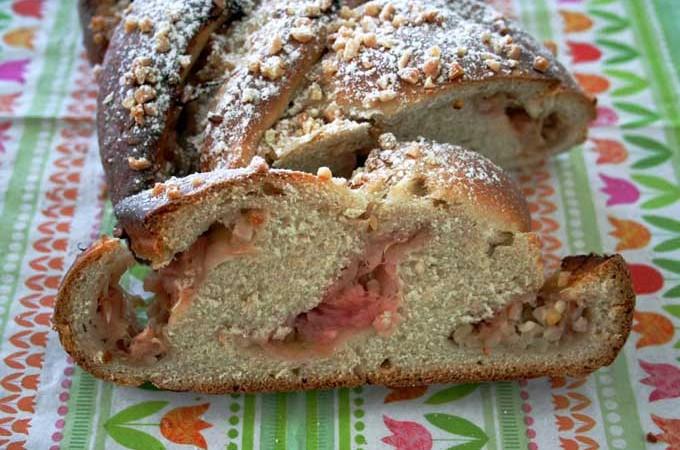 Rhubarb Yeast Bun   Foodal.com