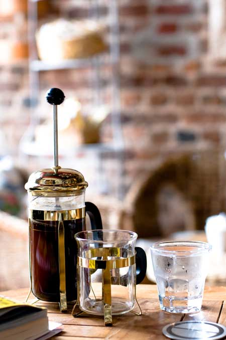 How to Use a French Coffee Press | Foodal.com