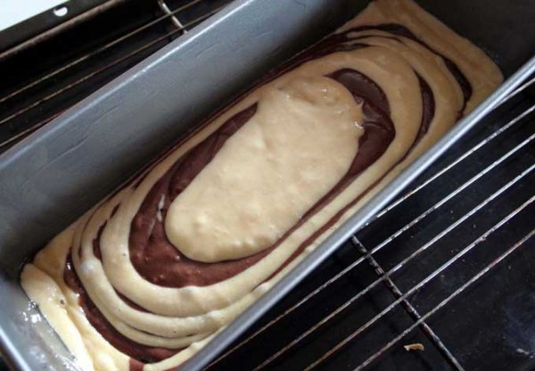 Making Zebra Cake | Foodal.com