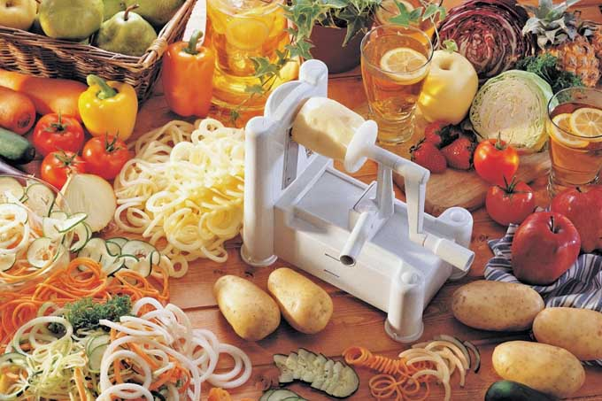 Paderno World Cuisine Tri-Blade Plastic Spiral Vegetable Slicer | Foodal.com