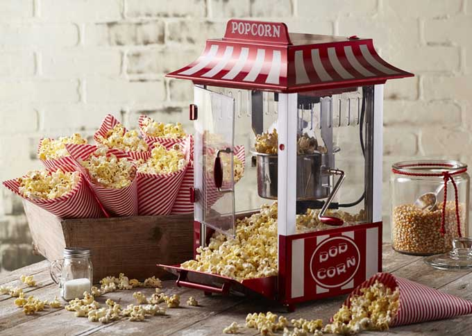 Party Hat Popcorn Cones | Foodal.com