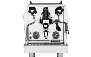 Review of the Rocket Giotto Evoluzione V2 (HX) Espresso Machine | Foodal.com