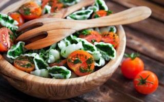 The Best Wooden Salad Bowls Reviewed | Foodal.com