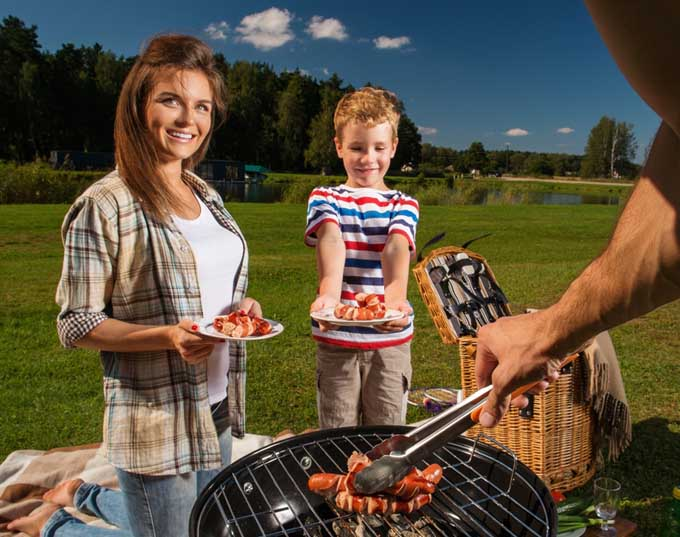 Top Rated Charcoal Barbecue Grills for Traveling | Foodal.com