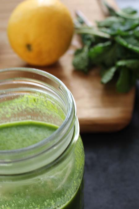 Five Super Simple Green Juice Recipes | Foodal.com