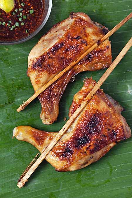 Gilled Thai Chicken on Banana Leaf | Foodal.com