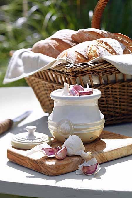 Le Creuset Stoneware Garlic Keeper | Foodal.com
