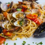 Linguine with Baked Clams | Foodal.com