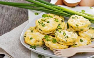 Mini Green Onion Frittatas with Peas and Feta | Foodal.com