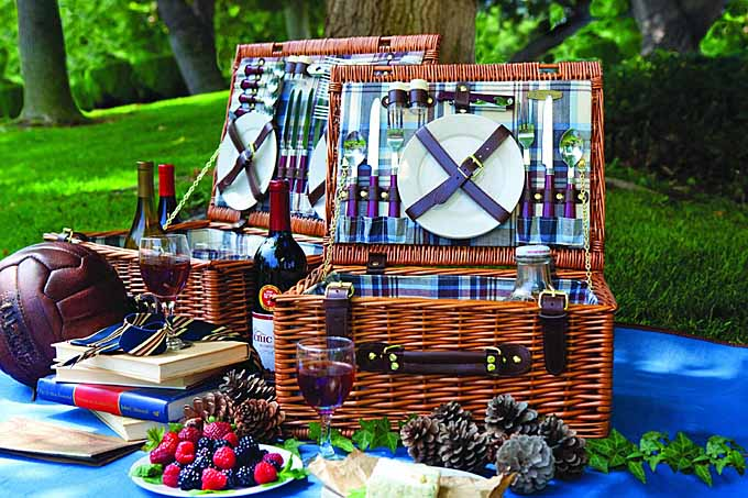 Picnic Time Newbury Willow Basket Set | Foodal.com