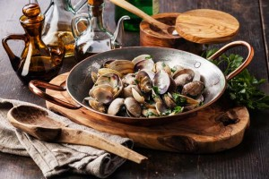 Shellfish: 5 Fantastic Ways to Cook Clams, Oysters, & Mussels