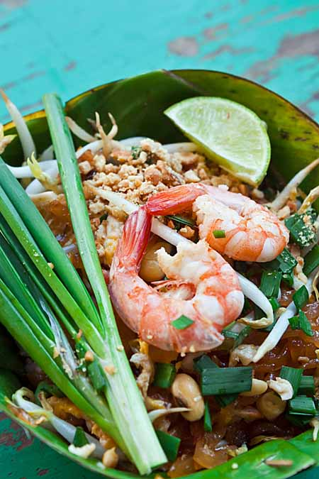 Shrimp Pad Thai in a Banana Leaf | Foodal.com