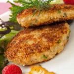 Western Crab Cakes With Lemon Aioli Recipe | Foodal.com