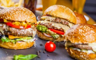 5 Tasty Ideas to Liven Up Your Burgers