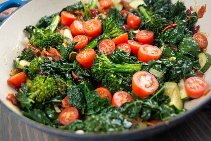 Broccoli, Cherry Tomato, Italian Kale, and Onion Saute | Foodal.com