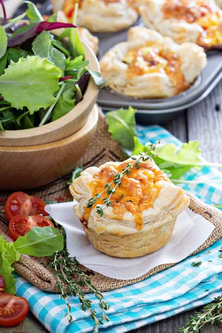 Mini Quiche with Puff Pastry and Cheese Recipe | Foodal.com