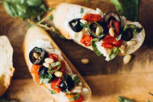 Olive, Red Pepper, & Goat Cheese Crostini: An Easy & Tasty Appetizer