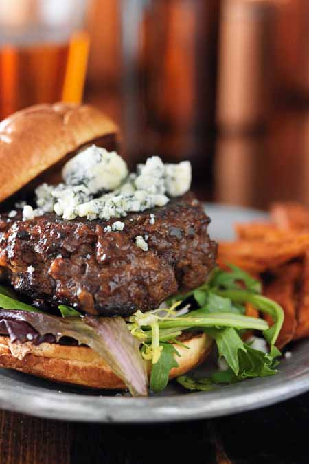 Oozy Bluesy Stilton and Sirloin Burger Recipe | Fooodal.com