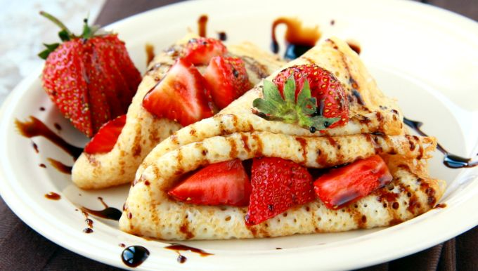 Strawberry Crepes With Chocolate Glaze | Foodal.com
