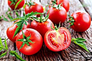 Tantalizing Tomatoes: Rich, Juicy Flavor & Outstanding Health Benefits