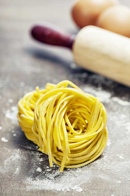 How to Make Homemade Fresh Pasta (Egg Noodles) | Foodal.com