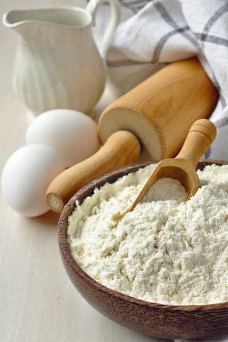 Homemade gluten free flour blend made from rice flour, millet flour, potato starch and xanthan gum | Foodal.com