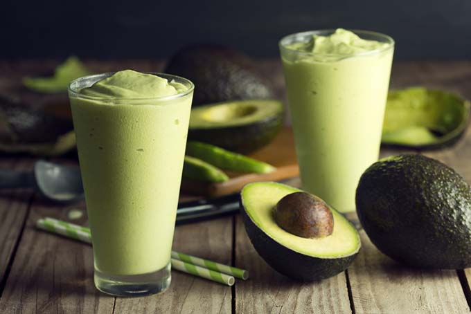 Making a Banana Avocado Smoothie | Foodal.com