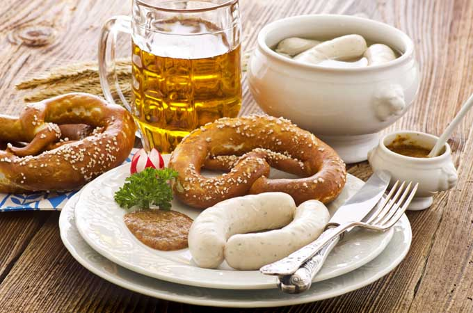 Food for Oktoberfest: lye pretzels and weisswurst | Foodal.com