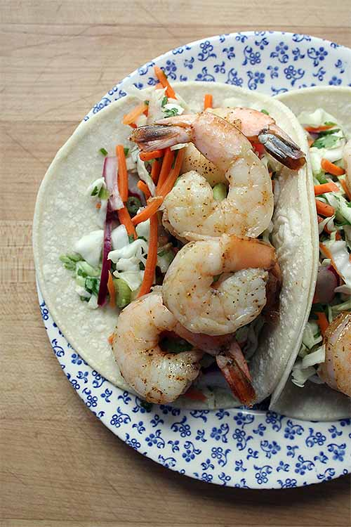 Change things up this Taco Tuesday with a seafood entree. We share the recipe: https://foodal.com/recipes/mexican-latin-america/shrimp-tacos/ ‎