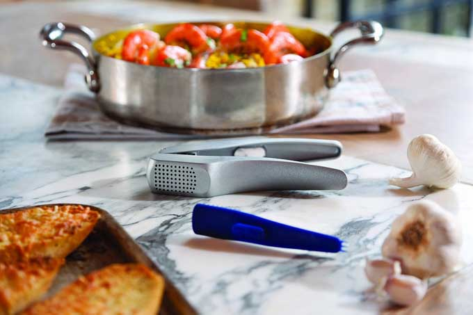 Zyliss Susi 3 Garlic Press Review | Foodal.com