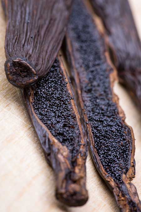 Black Vanilla Seed Pods with Seeds | Foodal.com