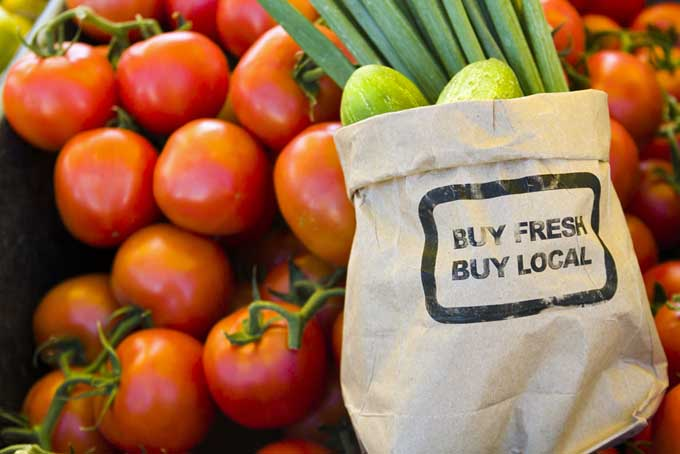 Buy Local, Buy Fresh | Foodal.com