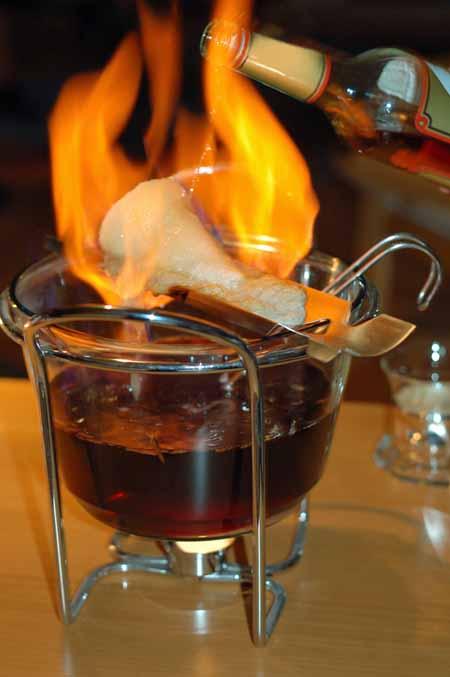 Feuerzangenbowle | Foodal.com