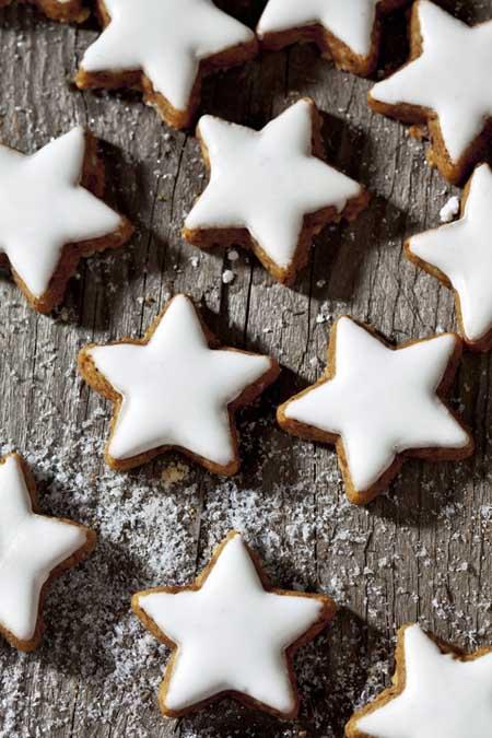 Homemade Sparking Cinnamon Star Cookies | Foodal.com