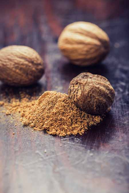 Nutmeg - whole seeds and ground | Foodal.com