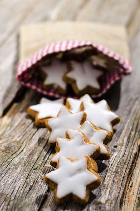 Recipe for Sparkling Cinnamon Stars | Foodal.com