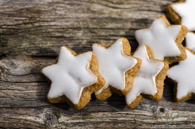 Sparkling Cinnamon Star Cookie Recipe | Foodal.com