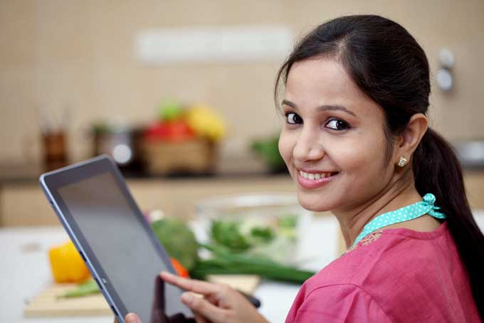 Use your iPad or other tablet in the Kitchen | Foodal.com