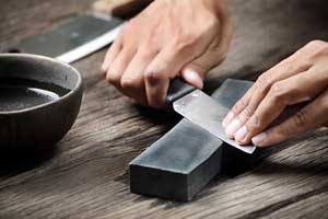 Hand sharpening knives | Foodal.com