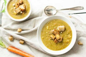 Warming & Easy Vegan Split Pea Soup