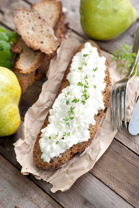 Cottage cheese on artisan bread | Foodal.com