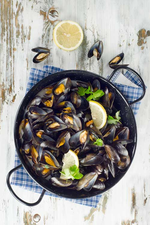 Poached Mussels | Foodal.com