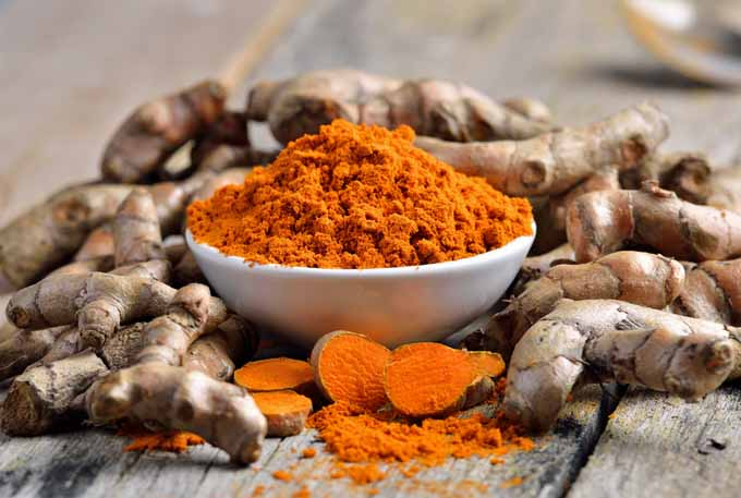 Tumeric can help wounds to heal faster and relieve arthritis suffering | Foodal.com