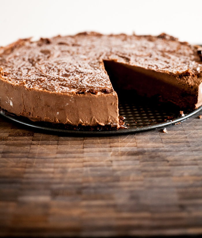 Cashew Cream Raw Chocolate Cheesecake