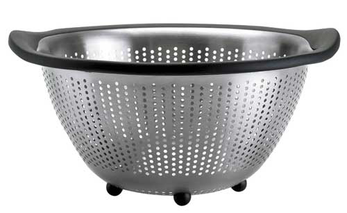 OXO Good Grips 5-Quart Stainless-Steel Colander | Foodal.com