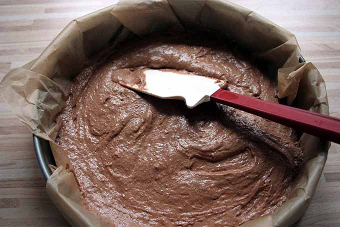Smoothing the Chocolate Torte Top | Foodal.com